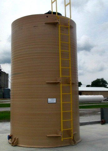7,000 GAL PE Sodium Hypochlorite Tank with Ladder