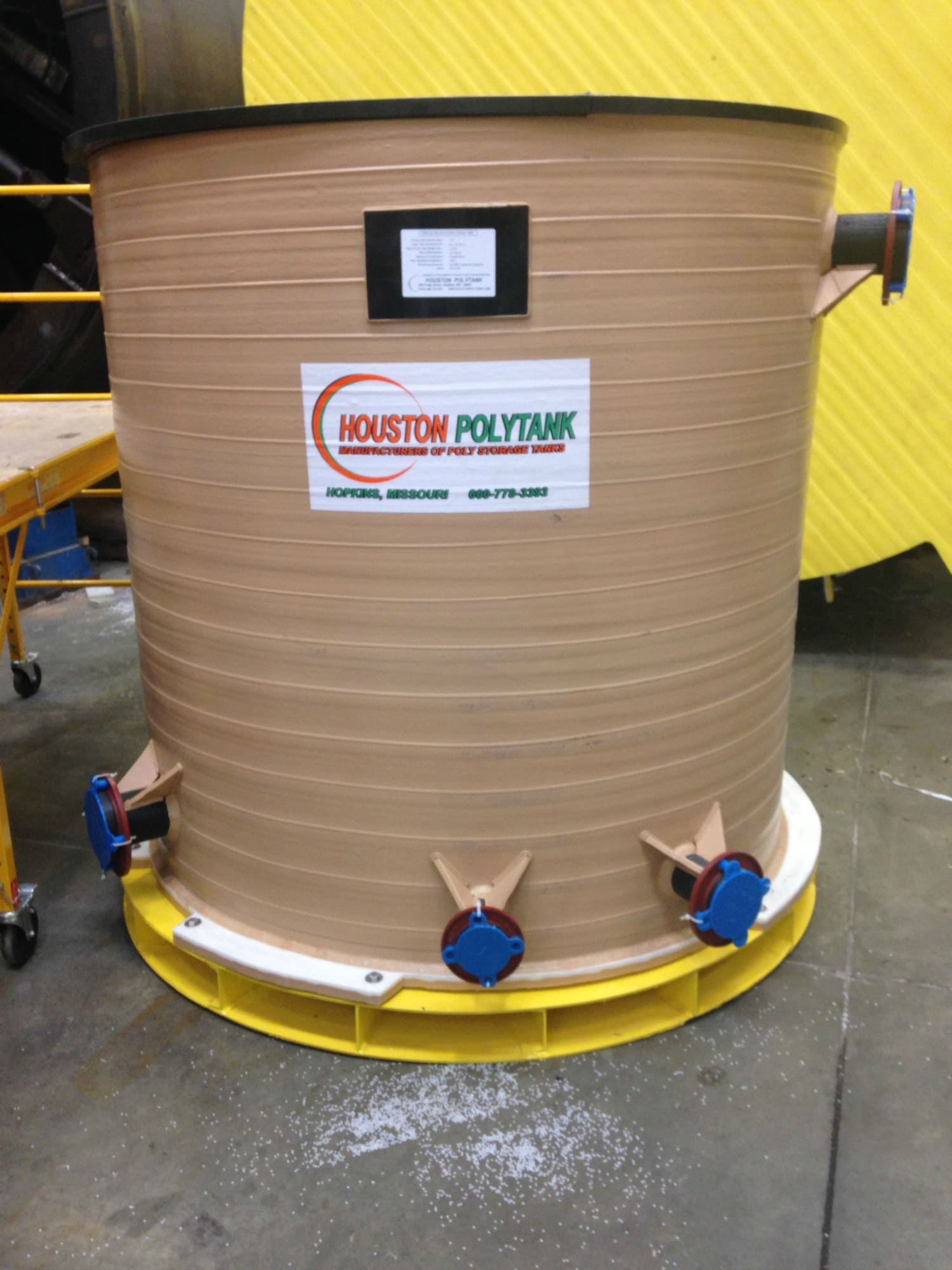 770 GAL PE Tank with Inspection Ring